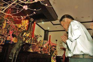 Cán bộ TPHCM dâng hương Chủ tịch Hồ Chí Minh dịp Tết Kỷ Hợi