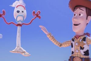 Disney 'chơi lớn' tung clip 'Toy Story 4' tại Super Bowl, The Rock nhá hàng poster chính thức cho 'Hobbs & Shaw'
