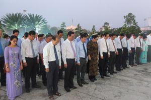 Lãnh đạo Trung ương và tỉnh viếng Nghĩa trang Liệt sĩ tỉnh Đồng Tháp