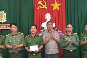 Thưởng nóng CAH Đắk Song trong vụ triệt phá nhóm đối tượng cho vay lãi nặng