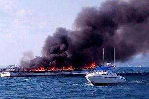 Tàu hàng nước ngoài cháy trên biển Ninh Thuận, có nguy cơ tràn dầu