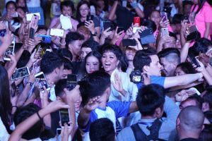 H'Hen Niê diễn thuyết trước 12.000 khán giả Philippines