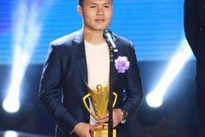 Tin sáng (2.2): ĐT Việt Nam nhận mưa giải thưởng tại Cúp Chiến thắng 2018