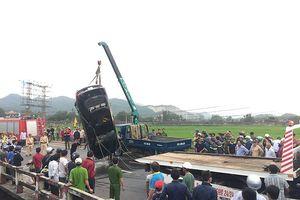 Ô tô chạy với tốc độ cao lao xuống nước, 1 người tử vong