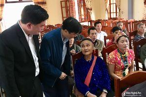 Phó Chủ tịch UBND tỉnh Lê Hồng Vinh thăm, chúc Tết tại Anh Sơn
