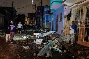 Điện thăm hỏi ảnh hưởng của lốc xoáy tại Cuba