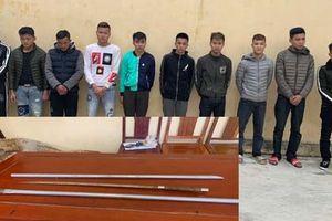Bắt giữ 10 thanh niên mang dao, kiếm chém nhau ở Thanh Hóa