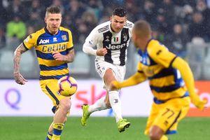 Ronaldo trở lại dẫn đầu danh sách Vua phá lưới Serie A