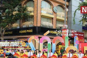 TP.HCM: Đồng loạt khai mạc lễ hội sách và đường hoa Tết Kỷ Hợi 2019