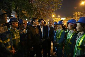 Phó Thủ tướng Vũ Đức Đam chúc tết y bác sỹ BV Bạch Mai và công nhân vệ sinh môi trường
