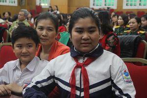 Tâm sự của nữ sinh lớp 7 có bố công tác ở Trường Sa