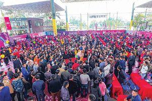 Chợ tình tất niên ở Trung Quốc