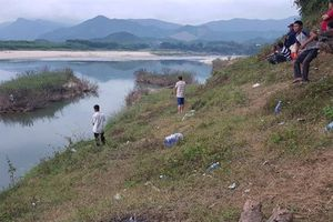 Cô gái bị vứt xuống sông: Manh mối từ chiếc điện thoại