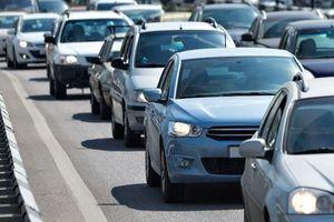 Bí quyết 'canh' xe ô tô cho lái mới, tránh va chạm khi lưu thông ngày Tết