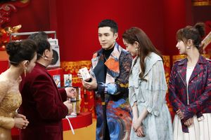 Tiệc mừng xuân đài Bắc Kinh 2019: Dương Mịch làm nàng thơ ở sàn catwalk trên nền nhạc của Thái Từ Khôn, Dương Tử kết hợp với Hứa Ngụy Châu