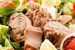 2 công thức làm salad cá ngừ vừa ngon vừa giữ dáng