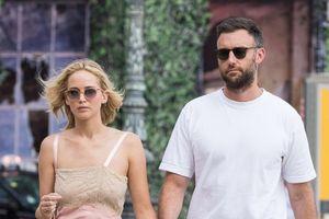 Jennifer Lawrence xác nhận đã đính hôn với bạn trai Cooke Maroney
