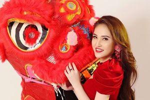 Hoa hậu Việt Nam Châu Á 2018 Gia Hòa rạng ngời với áo dài cách tân