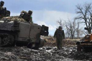 Nóng Ukraine: Chiến tranh nổ ra dữ dội ở vùng Donbass