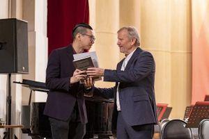 Cậu sinh viên đưa ca Huế vào nhạc giao hưởng Nga