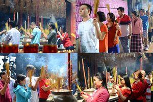 Xếp hàng dài chờ lễ Phật ở các ngôi chùa dịp Tết Kỷ Hợi