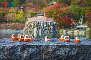 Đầu năm đến Nhật Bản thăm ngôi chùa có hàng vạn búp bê may mắn