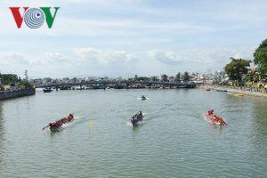 Phan Thiết tổ chức lễ hội đua thuyền truyền thống