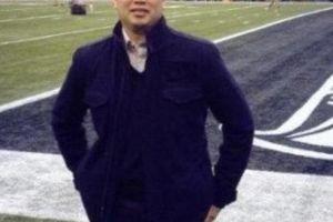 Cựu giám đốc Microsoft gốc Việt trộm bán lại 1 triệu USD vé Super Bowl