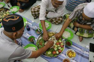Người đạo Hồi chung vui Tết ở Sài Gòn và điều cấm kỵ với con heo