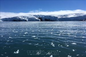Các khối băng khổng lồ đang tan nhanh chóng, thời tiết ngày càng cực đoan