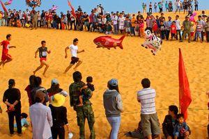 Bình Thuận: Sôi nổi Hội thi chạy vượt đồi cát Mũi Né mừng xuân Kỷ Hợi