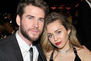Liam Hemsworth hài hước khẳng định bị Miley Cyrus 'tẩy não'