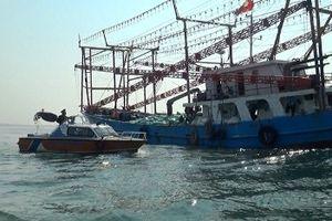 Cứu hộ thành công tàu chở gần 2 nghìn tấn gạo gặp sự cố trên biển