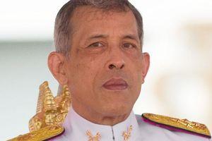 Quốc vương Thái Lan phản đối chị gái ra tranh cử thủ tướng