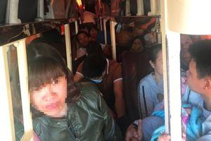 Xử lý xe khách 40 chỗ 'nhồi' 62 người