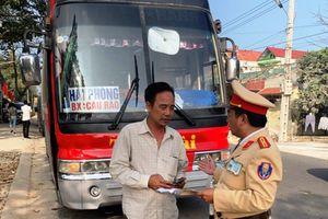 Thanh Hóa: Xử phạt xe khách 38 chỗ chở 54 người vượt quá quy định