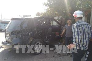 Tạm giữ tài xế xe khách tông xe 7 chỗ tại Thanh Hóa