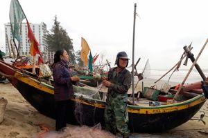 Ngư dân hồ hởi ra khơi đón lộc biển đầu năm mới