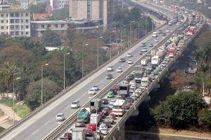 Ngày cuối đợt nghỉ Tết, người dân đổ về Hà Nội trong thời tiết như thế nào?