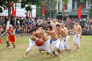 Sôi nổi Lễ hội vật cầu làng Thúy Lĩnh