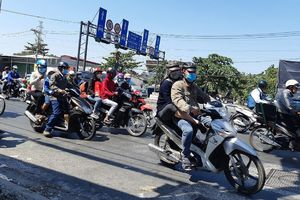 Người dân đổ về TPHCM sau kỳ nghỉ Tết, giao thông tăng nhiệt