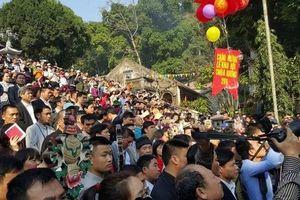 Lễ hội chùa Hương kẹt cứng ngày đầu khai hội