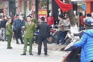 Thái Bình: Khởi tố vụ án nam thanh niên bị hai đối tượng truy sát giữa phố