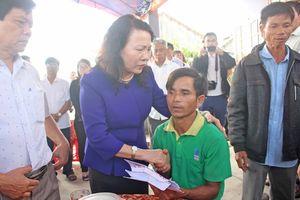 Lãnh đạo Bộ GD&ĐT chia sẻ nỗi đau với các gia đình có học sinh đuối nước ở Quảng Nam