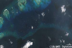 Ảnh vệ tinh: Trung Quốc điều gần 100 tàu áp sát quần đảo Trường Sa