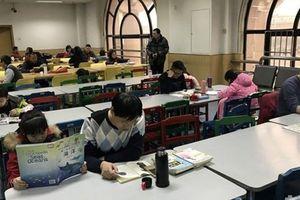 Bị bố mẹ bắt đi học thêm để luyện thi, nhiều học sinh mất Tết