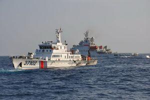 Mỹ đối phó hải cảnh, tàu cá Trung Quốc