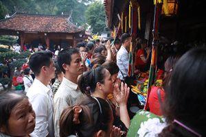 An lành Hội Gióng, chùa Hương
