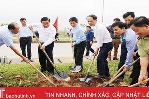 Bí thư Tỉnh ủy Lê Đình Sơn tham gia 'Tết trồng cây' tại TP Hà Tĩnh