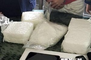 Bắt đối tượng vận chuyển trái phép 10kg ma túy đá từ Lào về Việt Nam